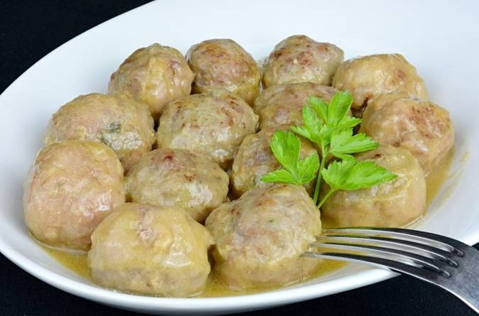 Receta de la semana: Albóndigas con salsa de cebolla